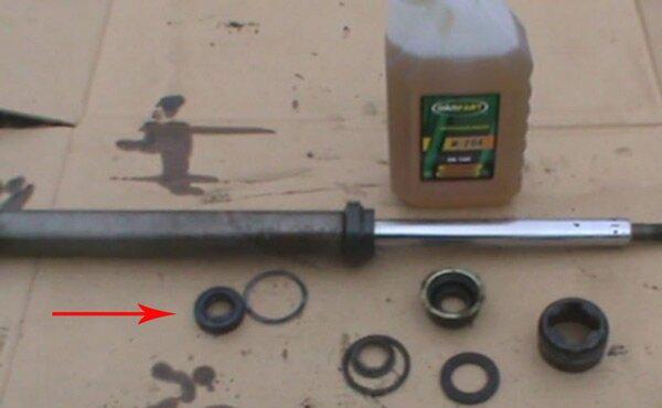 Стойка амортизатора передняя ремонт своими руками