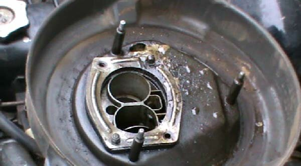 Фото №23 - кидает масло в воздушный фильтр ВАЗ 2110